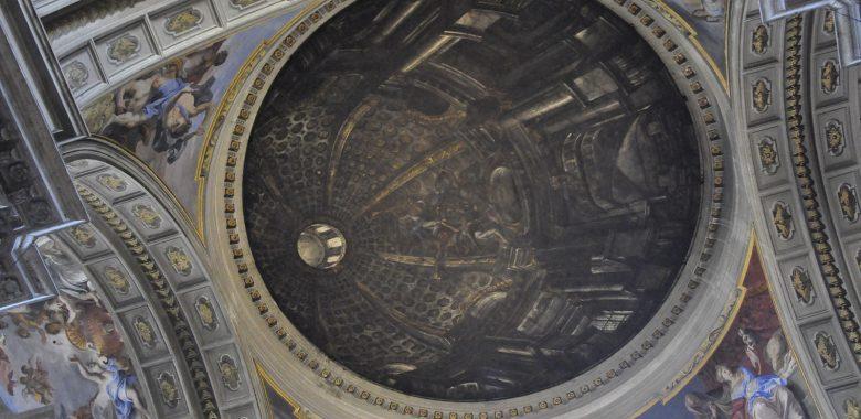 La famosa finta cupola di Andrea Pozzo presso la chiesa di sant'Ignazio in Campo Marzio a Roma